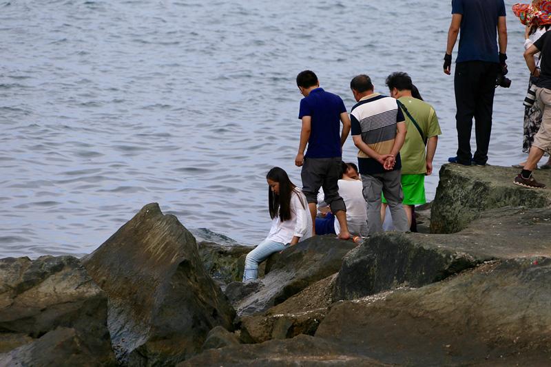 车队在巴统海岸边 荣耀7拍摄。摄影:杨立恩