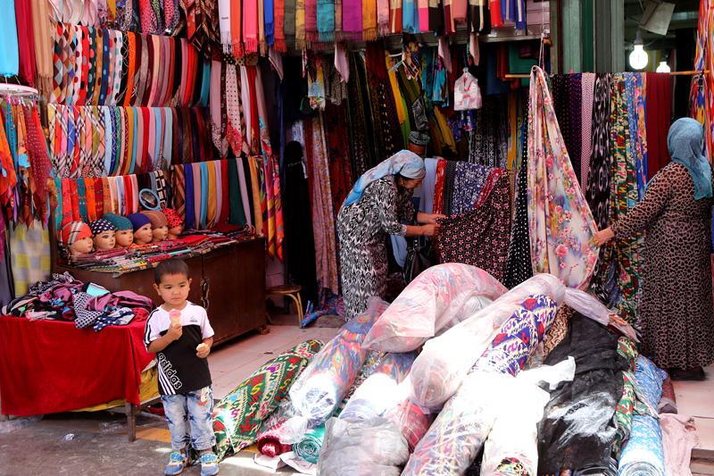 吐鲁番大巴扎。摄影:赵冰