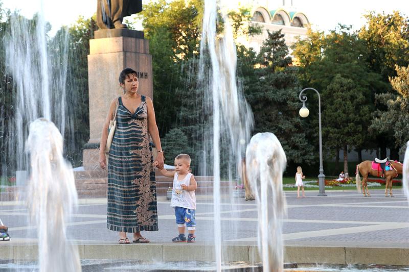 阿斯特拉罕,广场喷泉。摄影:刘逵