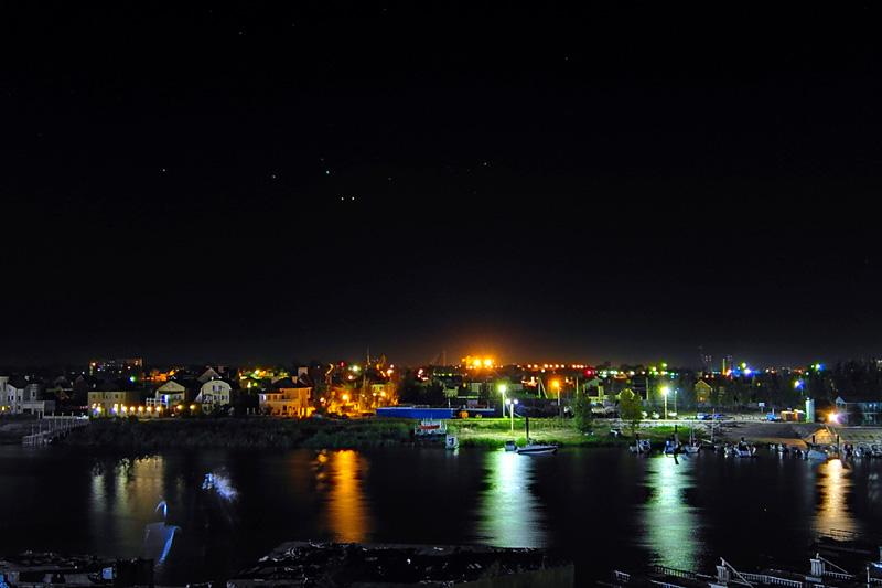 阿斯特拉罕夜景。荣耀7拍摄。摄影:臧亚伟