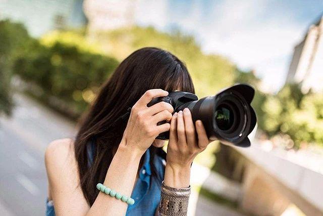 这个相机设置没调好,你连取景构图都做不到!