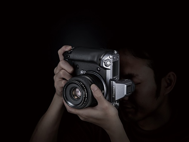 富士胶片无反数码相机 GFX100、X-T3 荣获 EISA 大奖