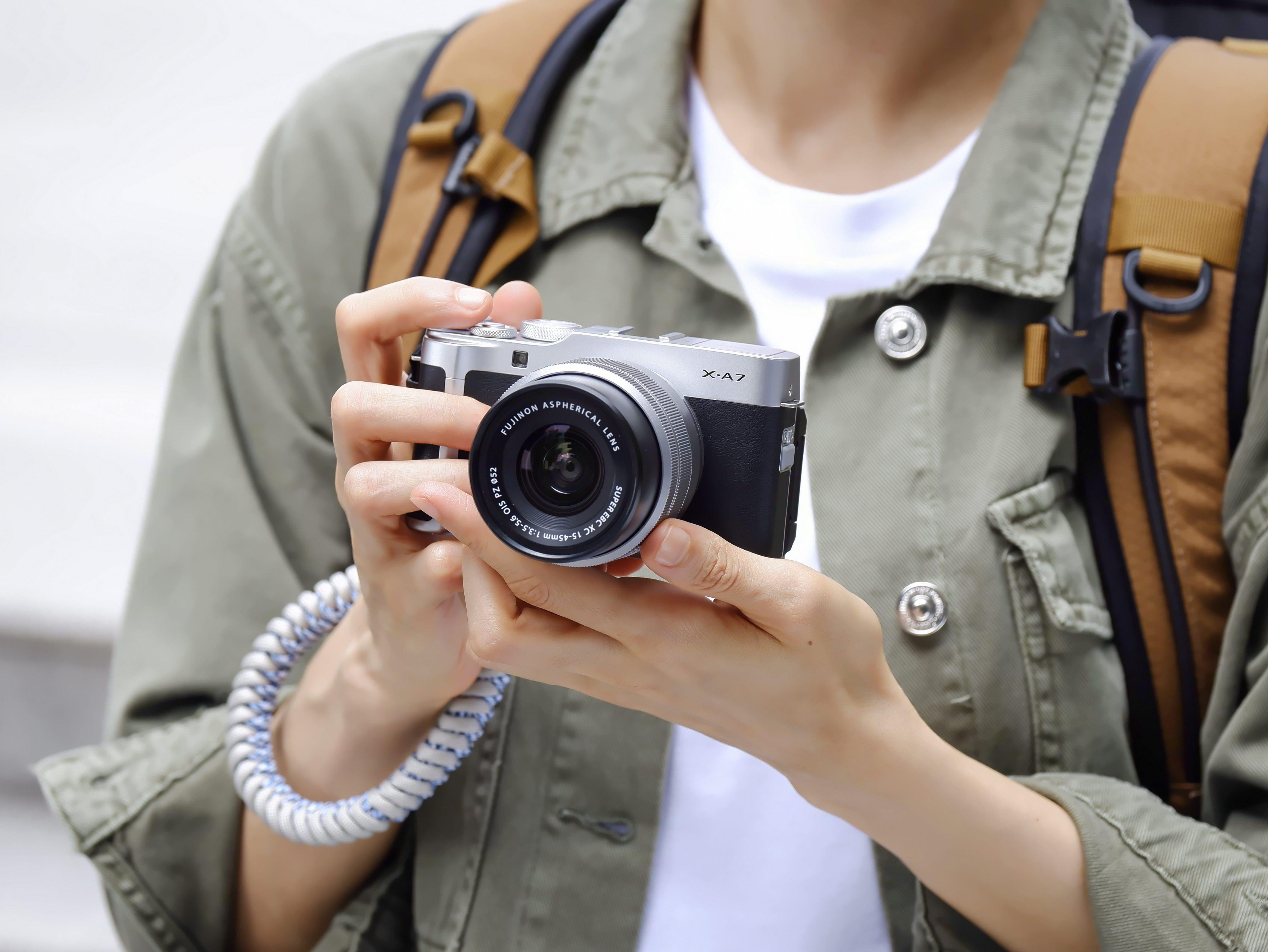 富士胶片推出 FUJIFILM X-A7 时尚无反数码相机