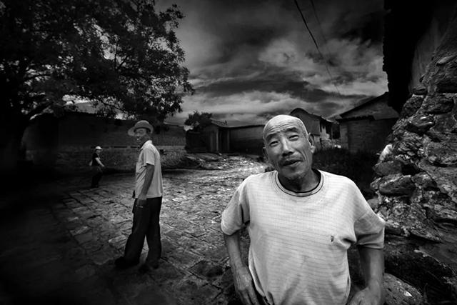 杨海:一半是神探,一半是摄影师