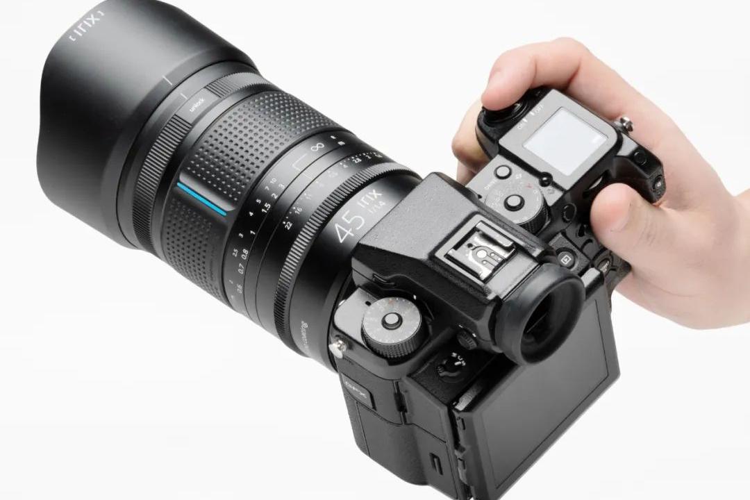 摄影新鲜事:3D 打印照片成功|老蛙推出 4 只 F0.95 镜头|富士停产 Pro 400H 胶卷