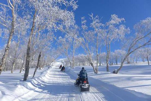 """12 度粉雪遇见杭州,""""长白春雪"""" 文旅产品惊艳西子湖畔"""