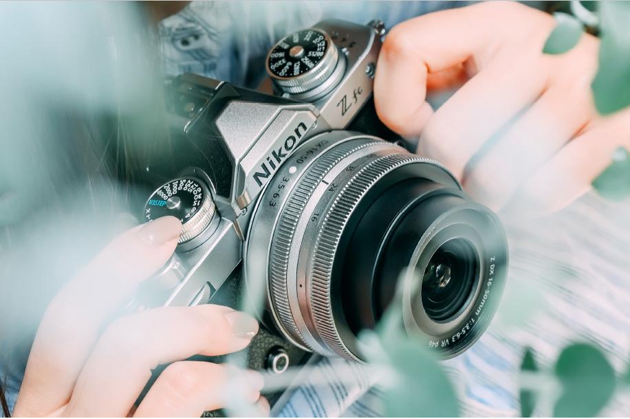 致敬经典:尼康发布 DX 格式微单数码相机 Z fc 和两款套机镜头